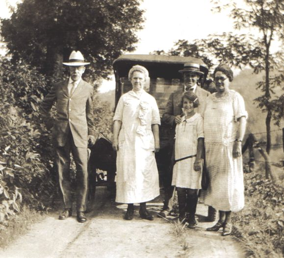 Ashmore and Laura Null with their son-in-law Ned, daughter Pauline and granddaughter Laura Jane Henderson